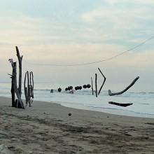 [19] Landart à Punta-uva, Costa-Rica, utilise les ressources présentes sur site.