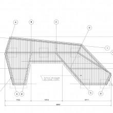 [8] Vue en plan.Pièces de bois de 32mm, ossatures galvanisées.