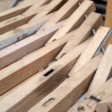[13] Pemiers essais d'entretoisement par tirefonnage.Les faces biaises sont obtenues par décalage progressif des pièces de bois.