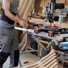 [14] Préfabrication des coupes d'après les plans d'execution.Le bois utilisé est principalement composé de chêne.